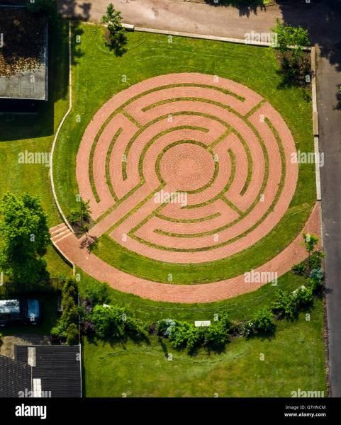 labyrinth flower garden designs Maze Garden Stock Photos & Maze Garden Stock Images - Alamy