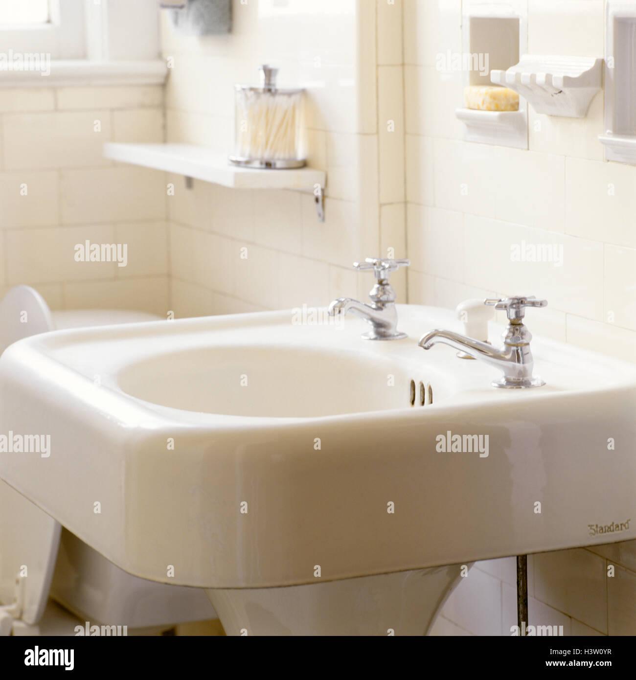 https www alamy com stock photo 1930s 1940s style antique porcelain pedestal sink in white tile bathroom 122866123 html