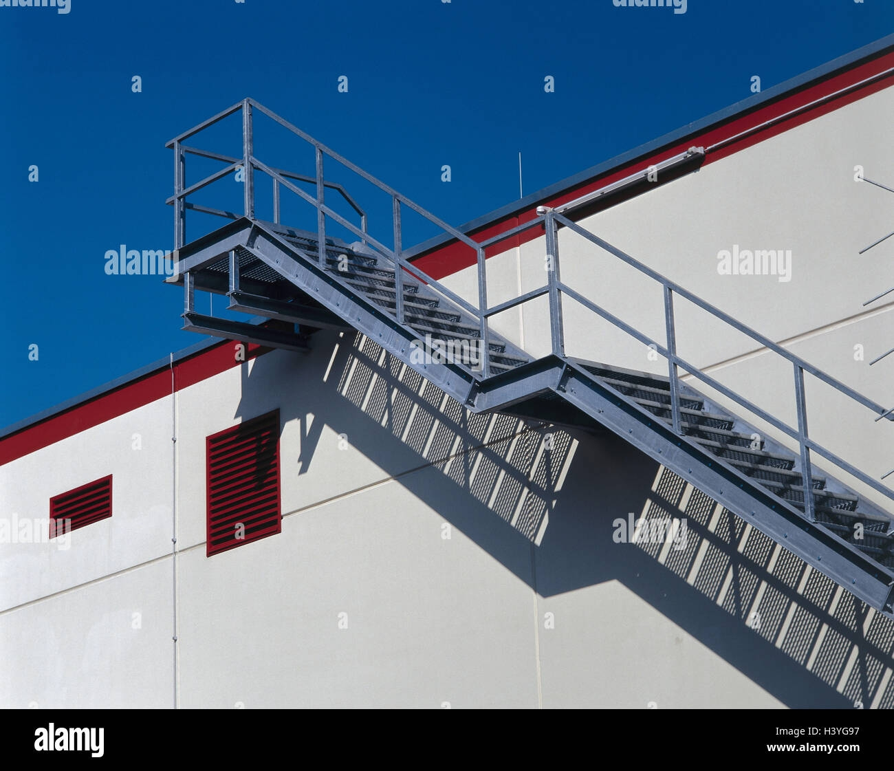 Building Outside Stairs Metal Detail Outer Wall Stairs Stairs   Metal Steps For Outside   Backyard   Steel Construction   Easy   Utility   Outdoors