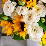 Bouquet Of White Roses And Sunflowers Home Decor Stock Photo Alamy