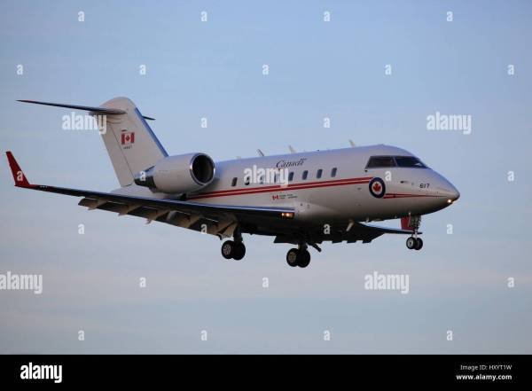 Royal Canadian Air Force RCAF 144617 Canadair CC-144 ...
