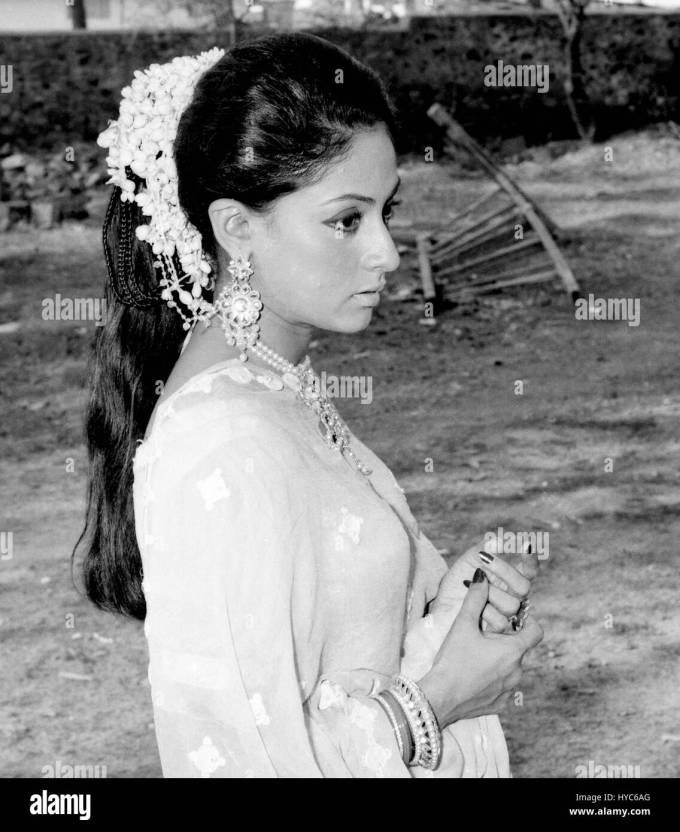indian vintage 1900s bollywood actress, jaya bhaduri