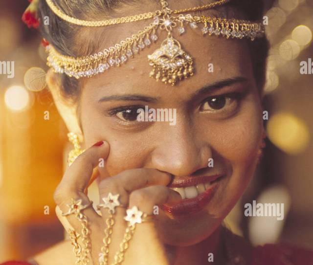 Sri Lanka Kandy Woman Young Bride Smile Wedding Jewellery Gesture Portrait Asia South Asia Island State Sri Lanka Prajatantrika Samajavadi