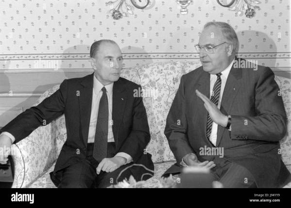 French President Francois Mitterrand Talks Stock Photos ...