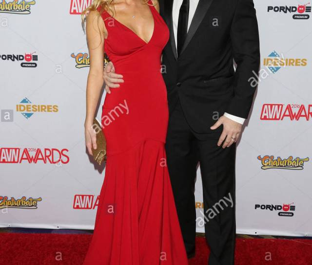 Kayden Kross And Manuel Ferrara 2016 Avn Awards Presented By Chaturbate Held In The Hard Rock Hotel Casino In Las Vegas Nevada