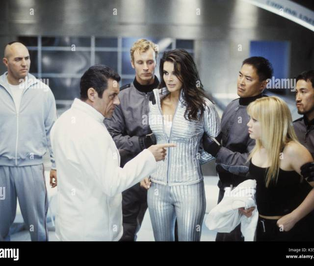 Agent Cody Banks Arnold Vosloo Ian Mcshane Angie Harmon Hilary Duff Date 2003