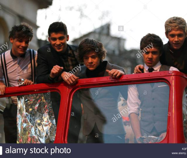 One Direction Filming Their New Music Video One Thing In Trafalgar Square London The Boy Band Were Used A London Red Bus To Film Their First Music Video