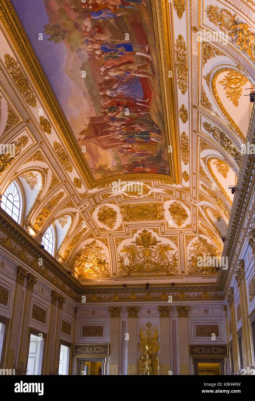 Le fontane della reggia di caserta. Caserta Italy August 14 2014 Beautiful Ceiling Inside The Throne Room Of Reggia Di Caserta A Unesco World Heritage Site Near Naples Stock Photo Alamy