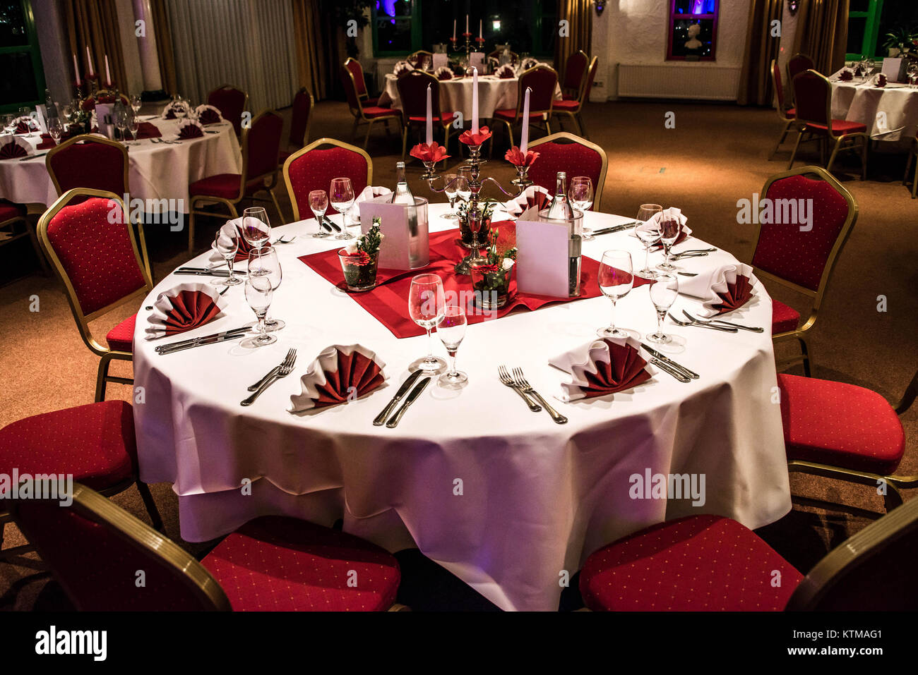 Banquet With Red Table Setting Red Tablecloth White