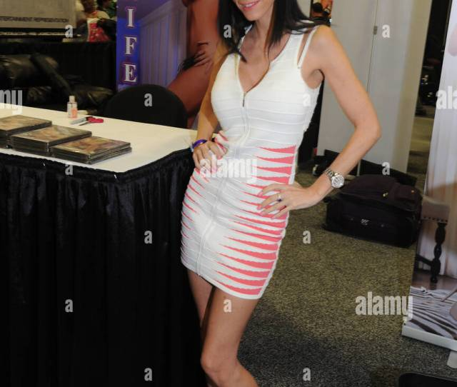Edison Nj November 08 Jennifer Dark Attends Day 2 Of Exxxotica 2014 At New Jersey Convention And Exposition Center On November 8 2014 In Edison Nj