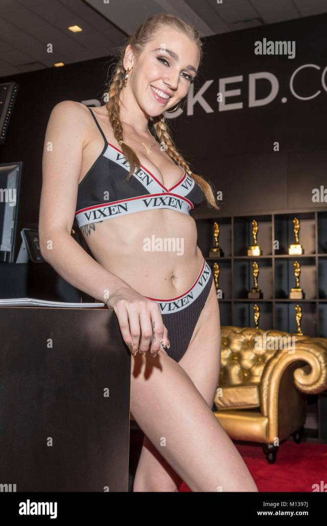 Kendra Sutherland At Day 2 At The 2018 Avn Adult Entertainment Expo At The Hard Rock Hotel Casino In Las Vegas Nevada On January