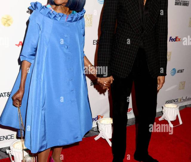 New York City New York Usa 29th Jan 2018 Actress Cicely Tyson And Designer B Michael Attend The National Cares Mentoring Movement For The Love Of Our