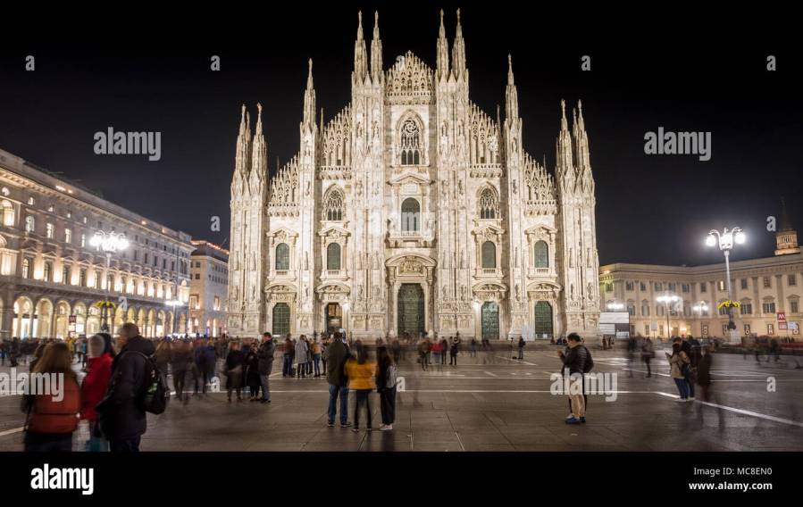 Milan  November 2017  Cathedral and main square in the fashion and     Milan  November 2017  Cathedral and main square in the fashion and design capital  of the world   on November 2017 in Milan  Italy
