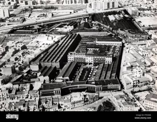 Fábrica de la ENASA (Pegaso) en Barcelona, años1950 Stock Photo ...