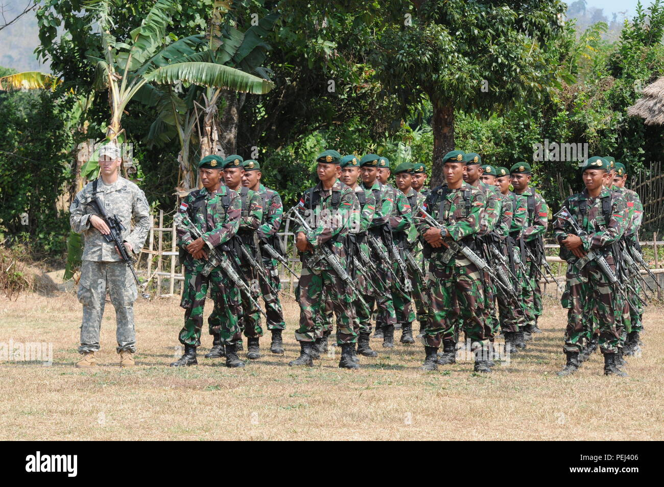 Rd Brigade Combat Team Th Infantry Division Stands With Sol Rs Of The St Kostrad Infantry Division Tentara Nasional Indonesia Angkatan Darat