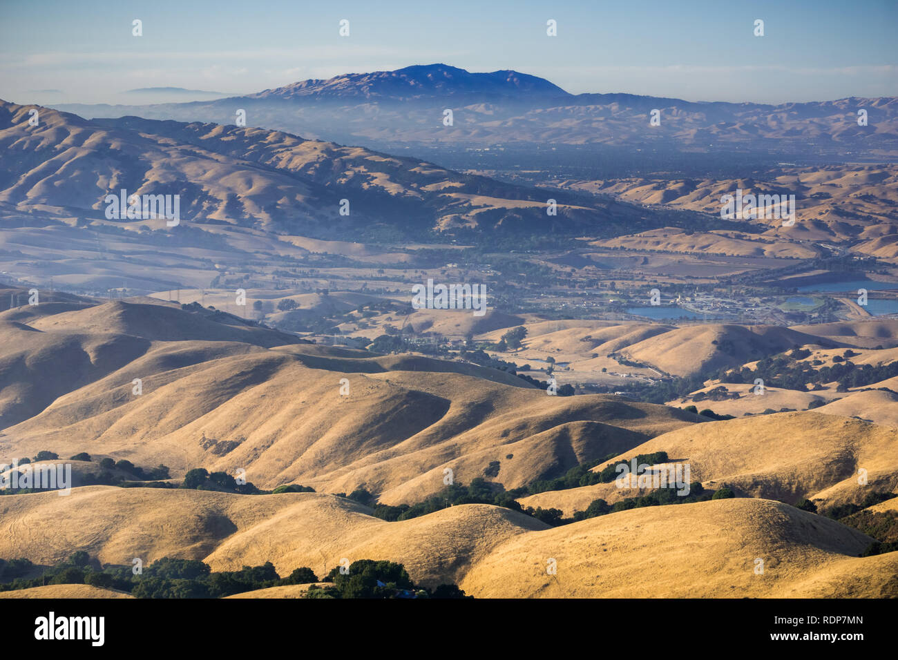 Check out my list of attractions and hikes in mt diablo state park, complete with pictures and information on the different places you will. View Towards Mt Diablo At Sunset From Mission Peak East San Francisco Bay Area California Stock Photo Alamy