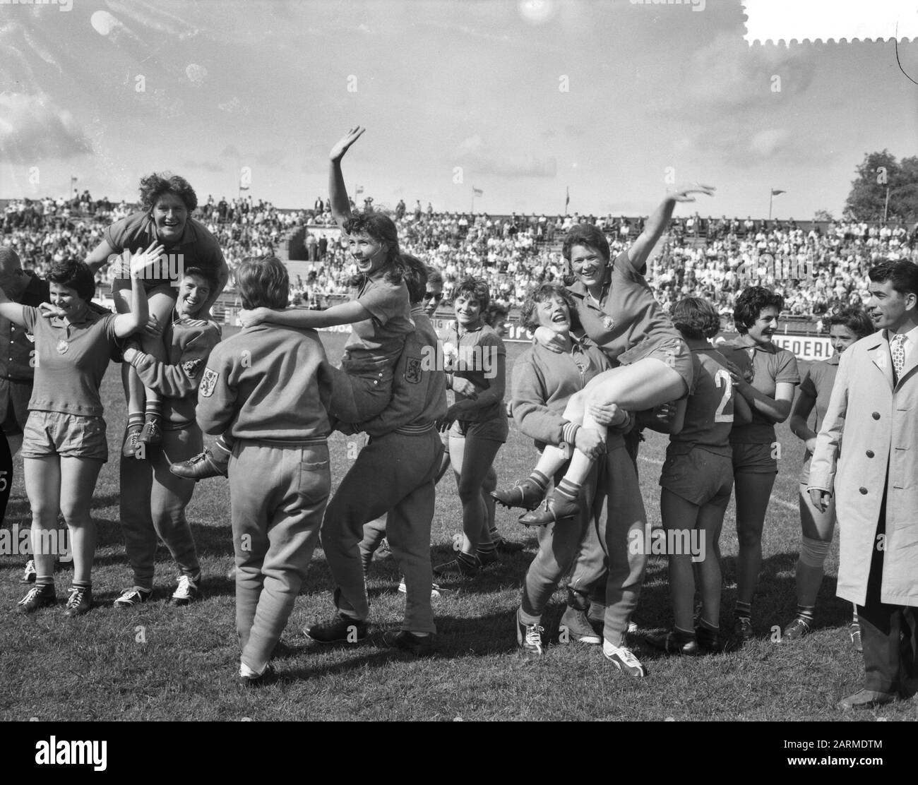 handball der frauen stockfotos und