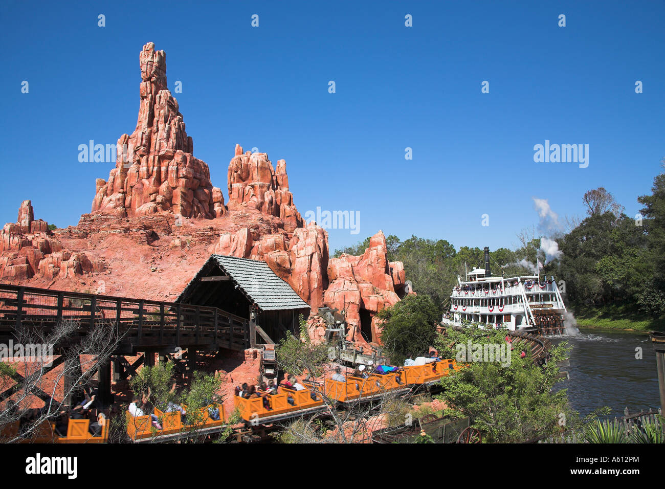 He was named and given a personality for a 2013 marketing campaign for walt disney world where he desired an opportunity to leave the attraction and explore the resort for himself. Big Thunder Mountain Railroad Fahren Liberty Belle Raddampfer Magic Kingdom Disney World Orlando Florida Usa Stockfotografie Alamy