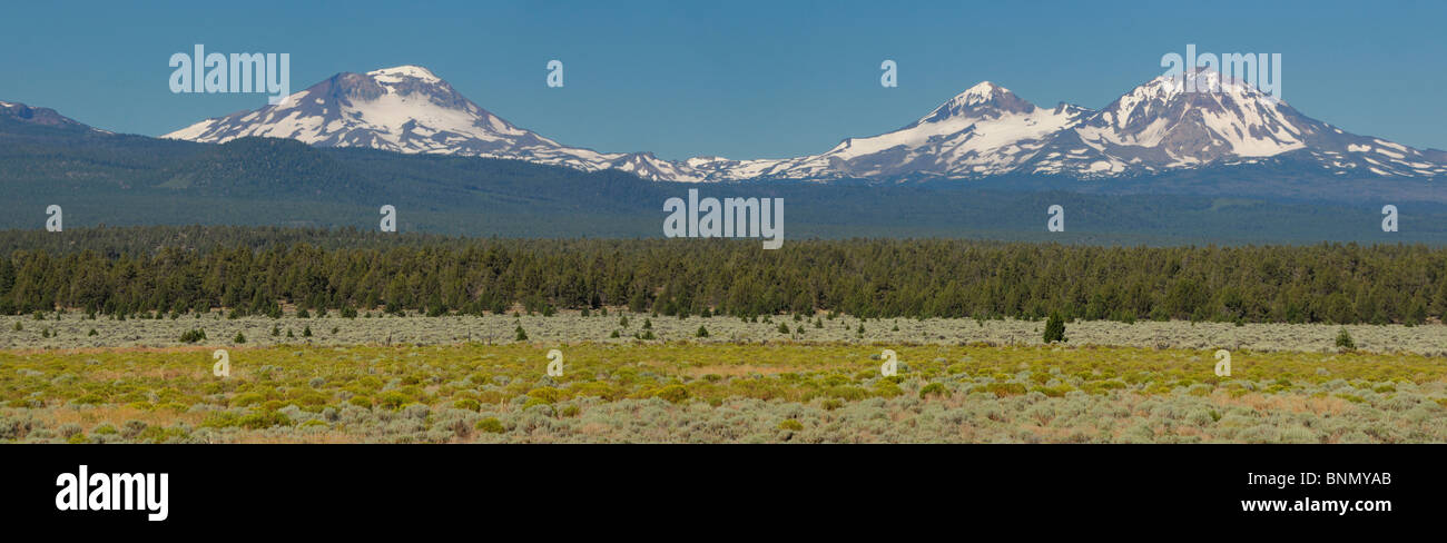 Traditionalmountaineering provides information and instruction about mountain climbing safety skills and gear, off trail hiking and light weight backpacking. Panorama Drei Schwestern Berge Cascade Mountain Range Bend Central Oregon Oregon Usa Landschaft Stockfotografie Alamy