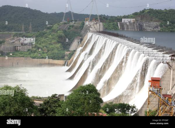 Narmada FlussStaudamm in Kevadia Kolonie Gujarat Indien