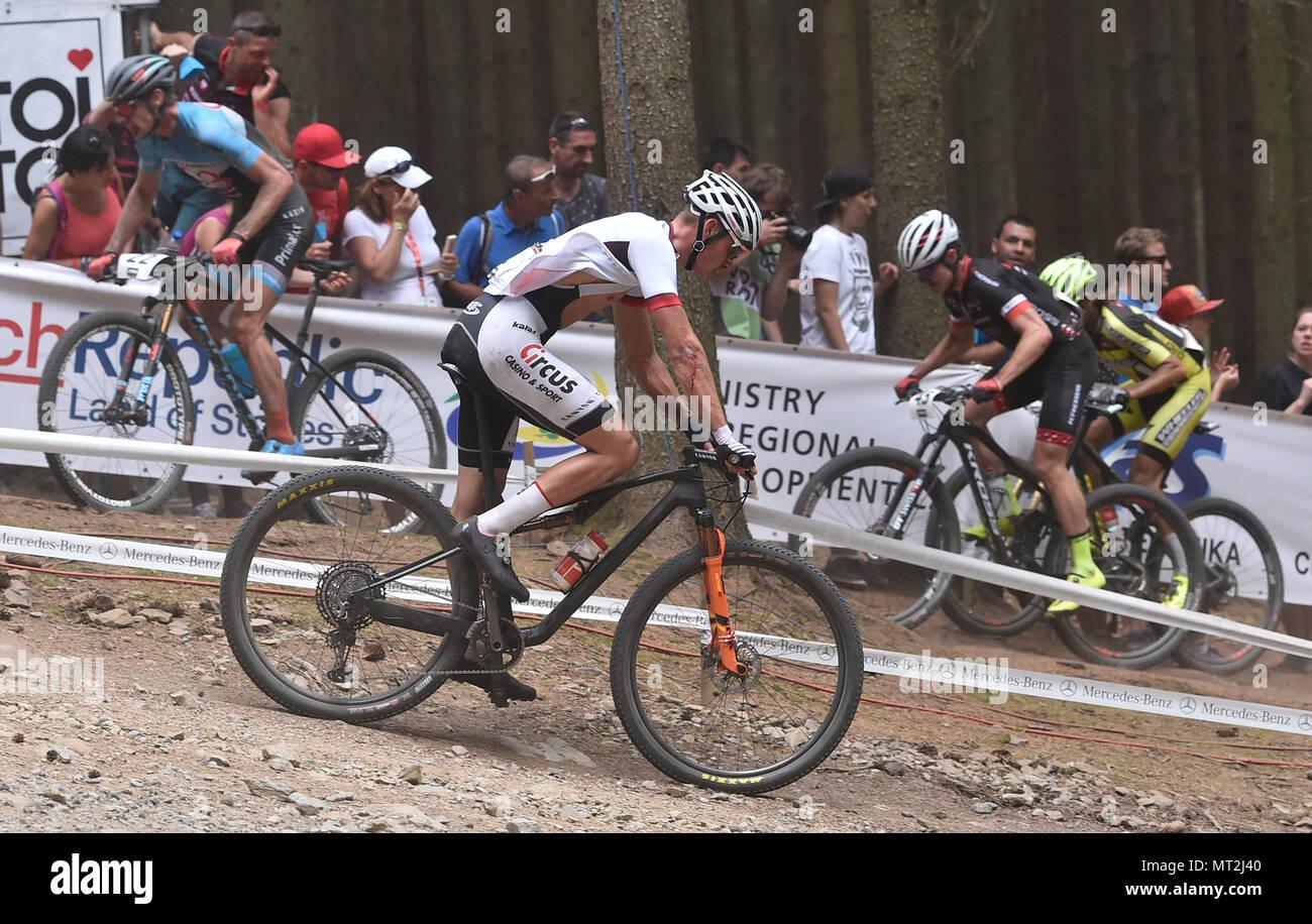 cross country biker mathieu van der