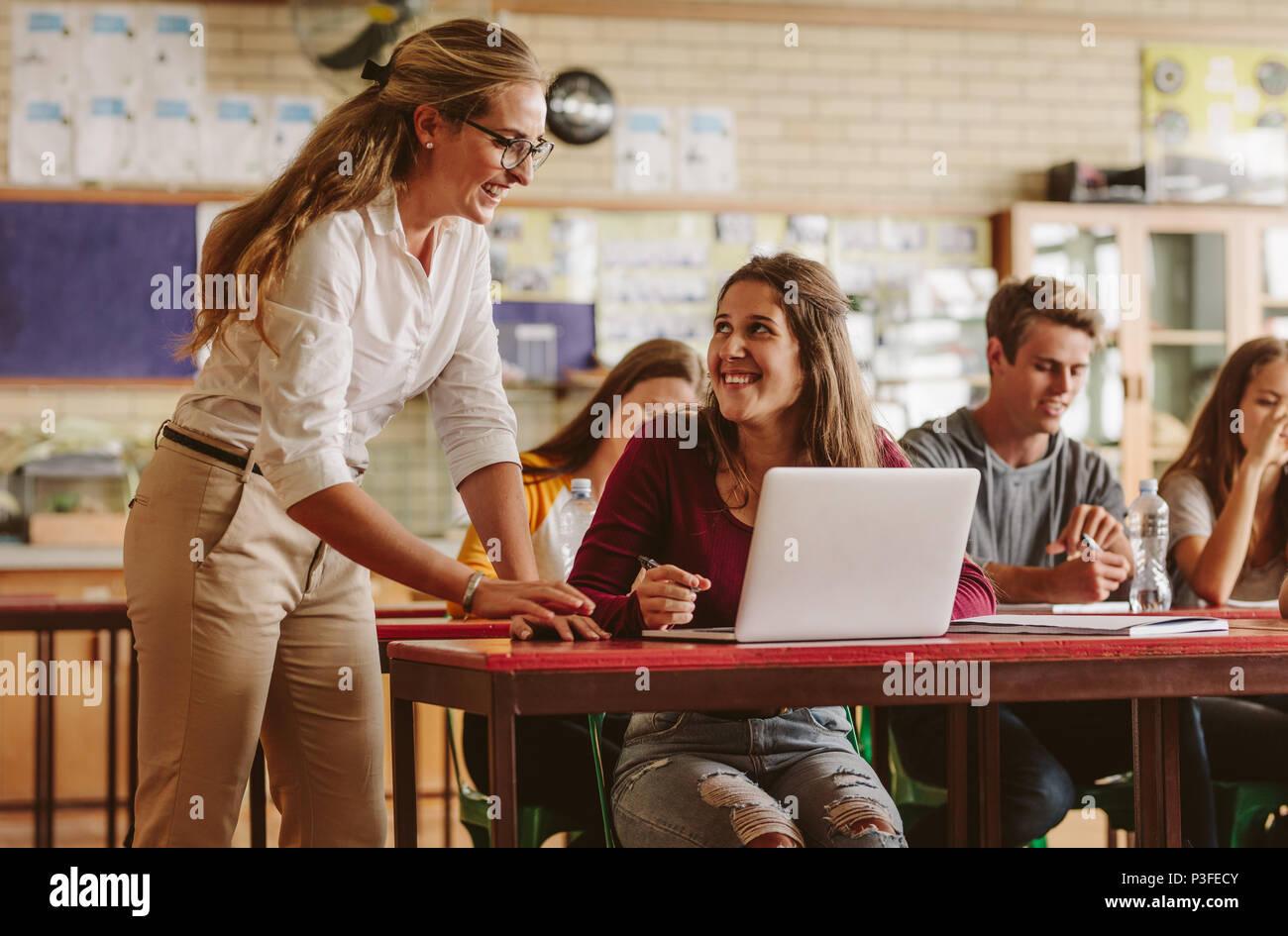 Helpful Stockfotos Amp Helpful Bilder