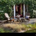 Garten Sitzecke Und Feuerstelle In Englischer Garten England Europa Stockfotografie Alamy
