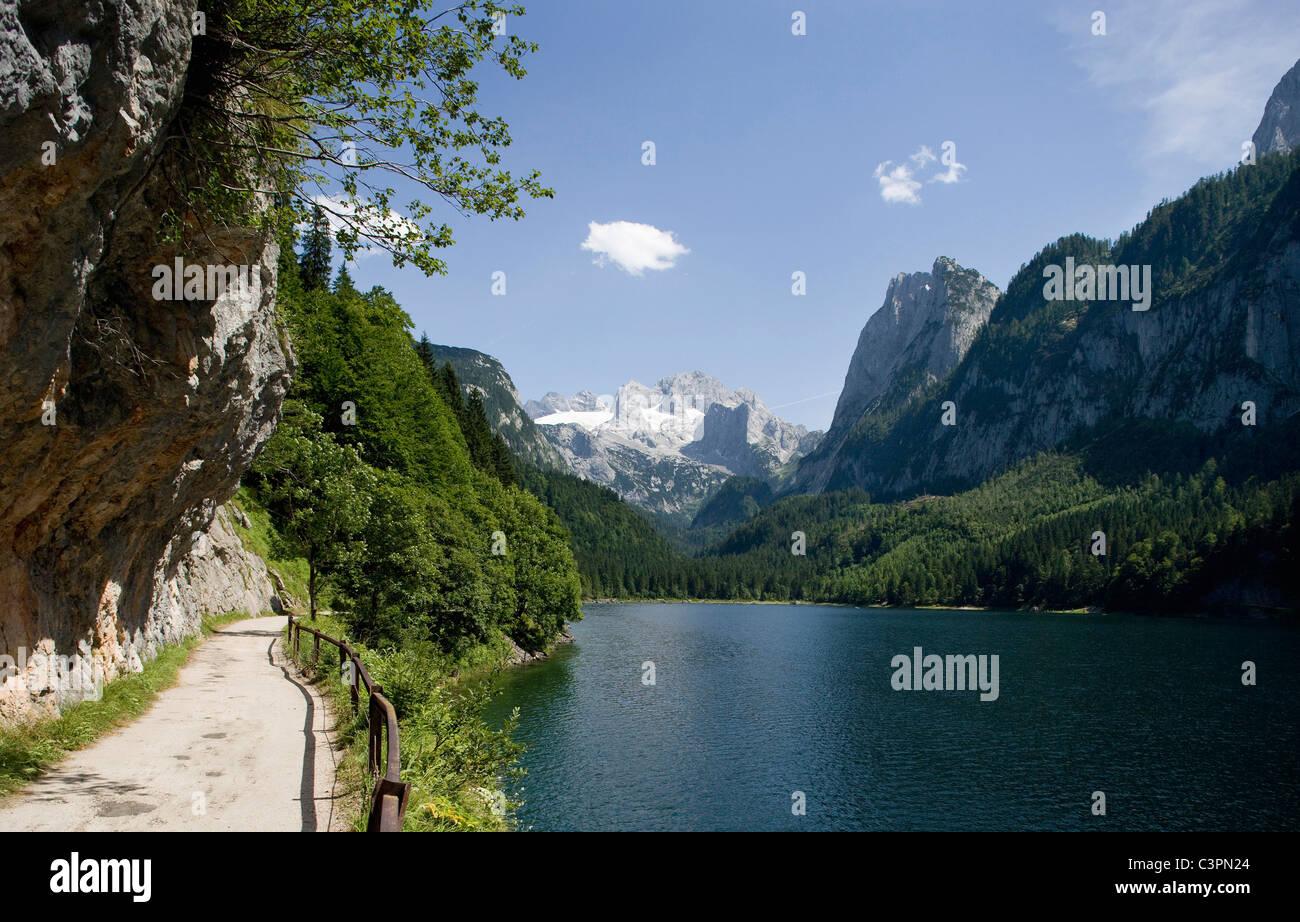 l autriche salzkammergut lac gosausee avec montagnes en arriere plan photo stock