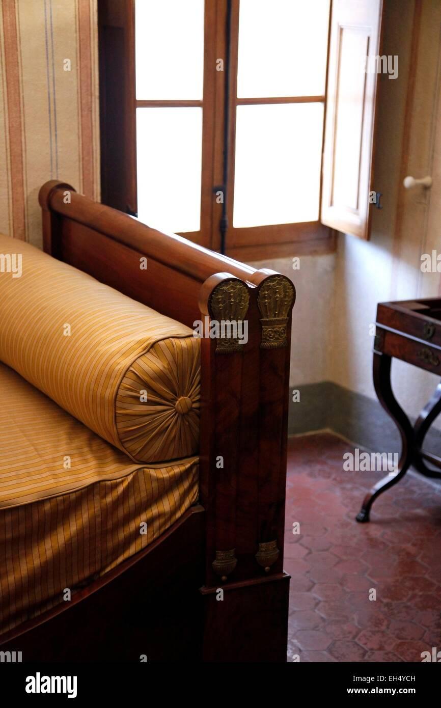 france corse du sud ajaccio maison bonaparte detail des meubles d epoque presentes dans l ancienne maison de la famille devenu musee national rmn en