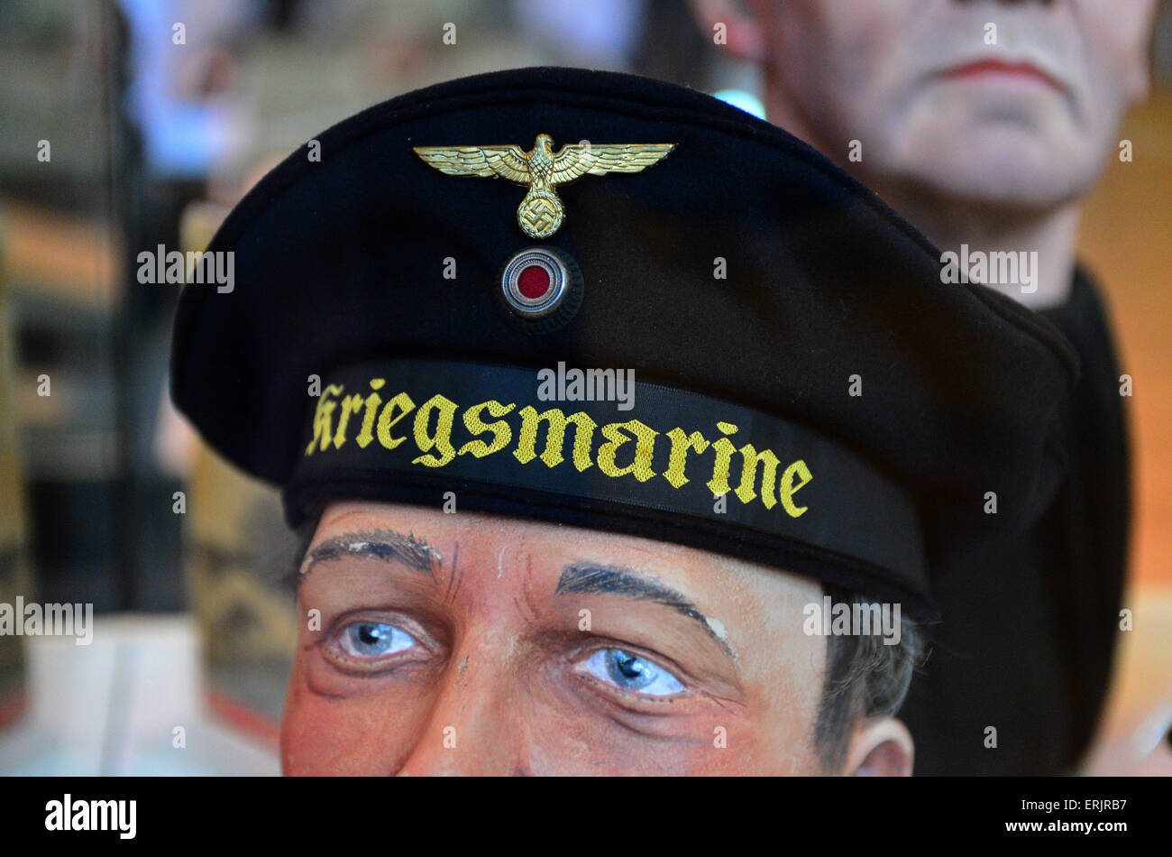 Ww2 German Navy Blue De La Kriegsmarine U Boat Cap Marin Expose Dans Derry Londonderry En