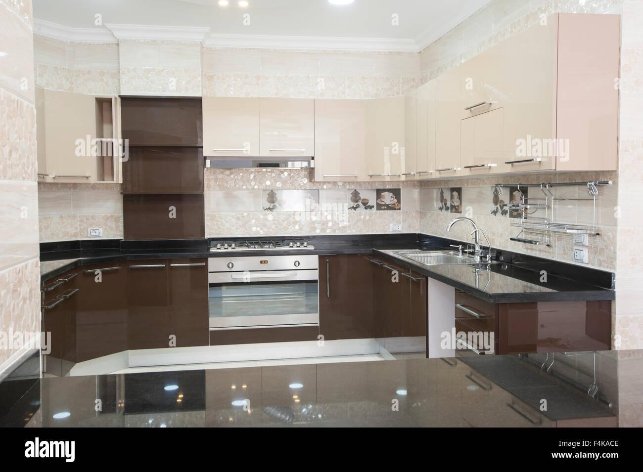 https www alamyimages fr photo image cuisine de style americain salon d un appartement de luxe montrant la conception interieure 88935742 html