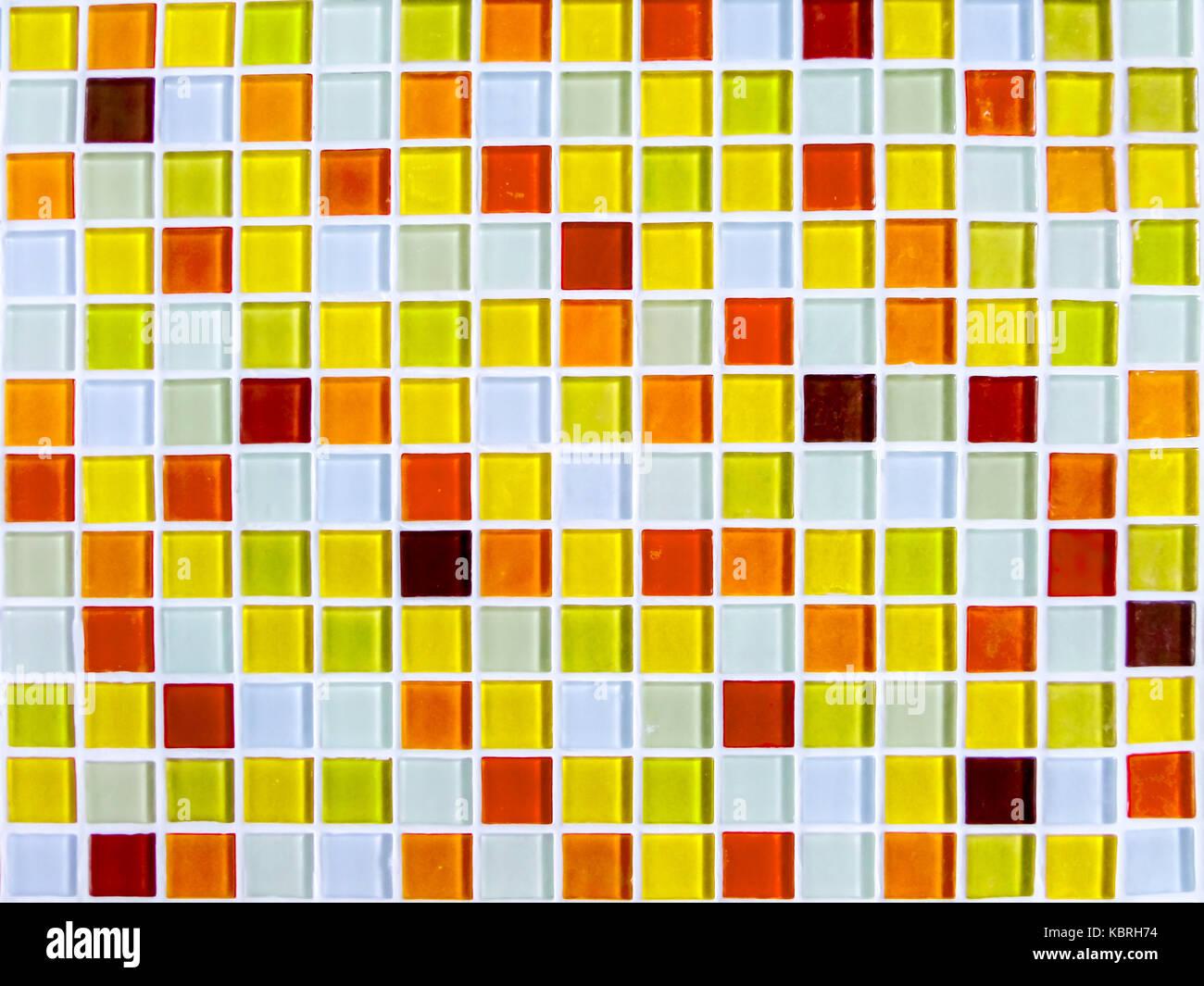Le Carrelage Mural Mosaique Ton Jaune Orange Gros Plan Couleur Photo Stock Alamy