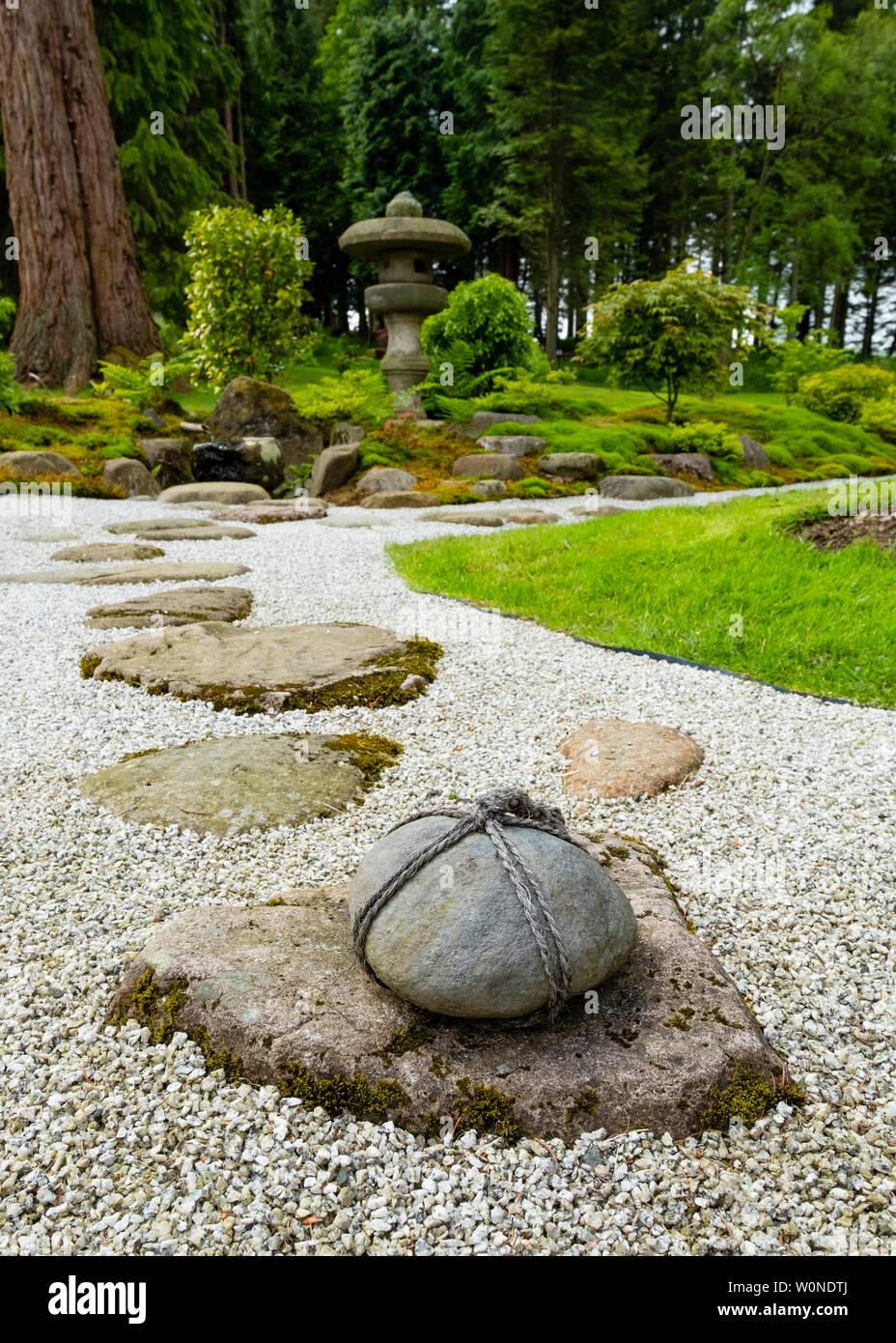 https www alamyimages fr vue sur le jardin sec au nouveau jardin japonais a cowden en dollar clackmannanshire ecosse royaume uni image258627394 html