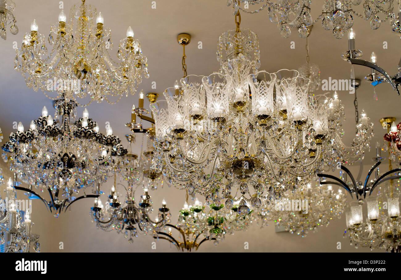 Migliaia di annunci gratuiti per acquistare e vendere lampadario usato su vivastreet tutta. Lucky Glass Family Business Che Ha Meno Di 20 Dipendenti Fornisce Un Lampadari Di Cristallo Per Quasi 80 Paesi In Tutto Il Mondo Lucky Glass Company Prodotto Cinque Grandi E 40 Piccoli