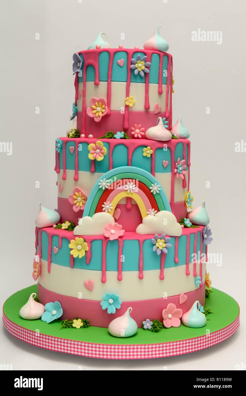 Novità Per Bambini Torta Di Compleanno Foto Immagine Stock