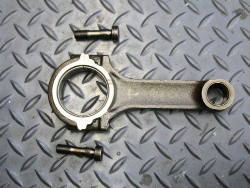 Connecting Rod and Bolts