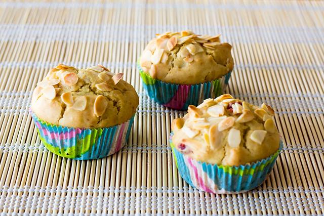 Muffins de cerezas y almendras