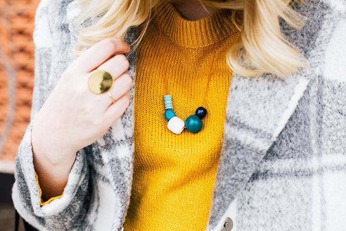 austin style blogger grey coat mustard sweater14