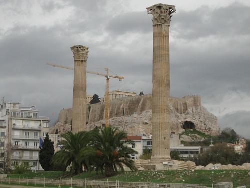 Acrópolis de Atenas desde el Templo de Zeus Olímpico. ViajerosAlBlog.com.