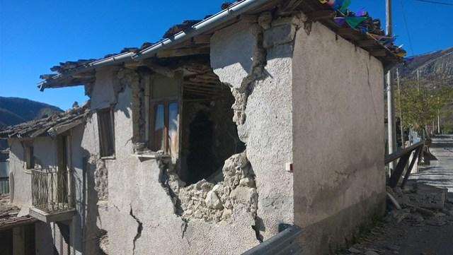 edifici distrutti terremoto