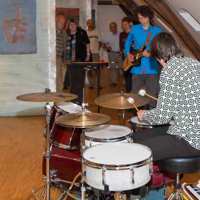 Christoph Dehne am Schlagzeug und Torsten Lang an der Gitarre
