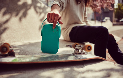Libratone ONE Click greeen skateboard