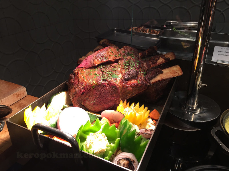 Tomahawk - Colony, The Ritz-Carlton Millenia Singapore