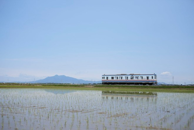 Kanto Railway DC Type 5000 with Mt.Tsukuba