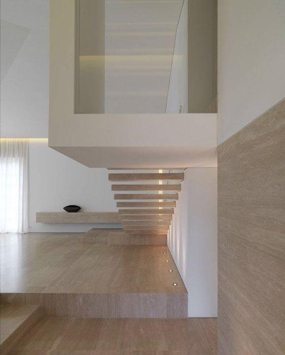 Escaleras de Travertino Romano