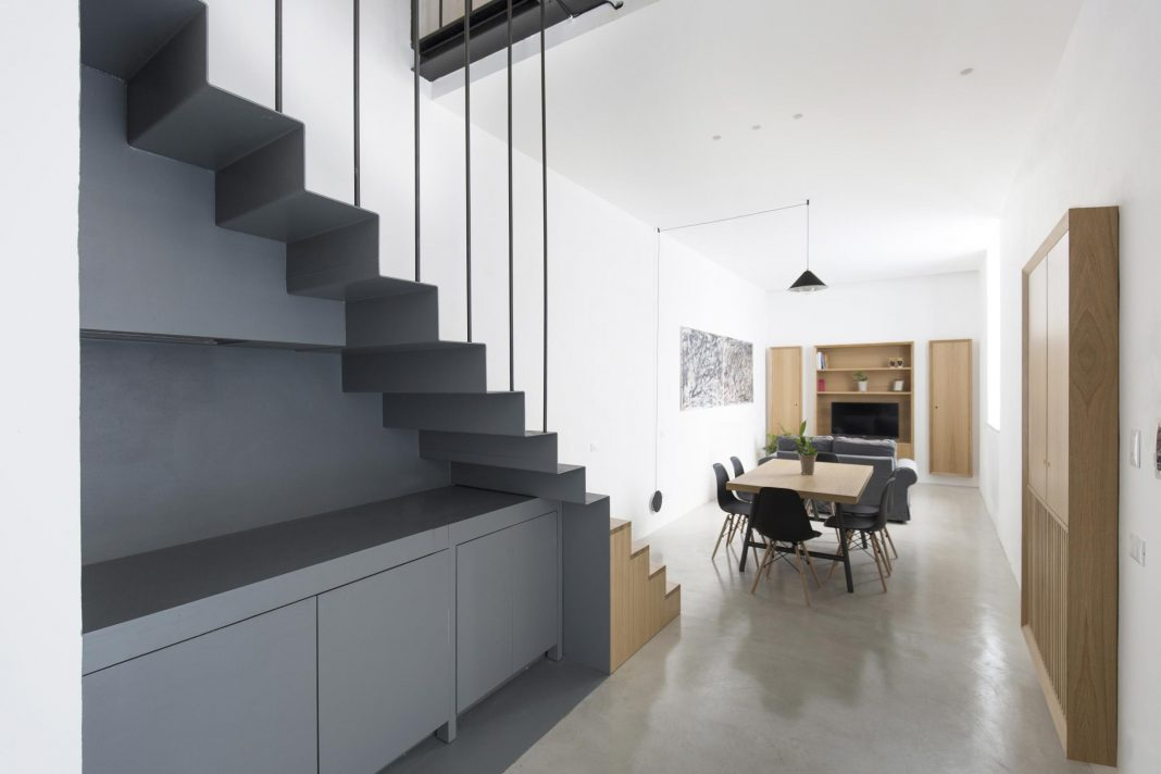 Tiny Loft With Clever Storage And Space-saving Solutions