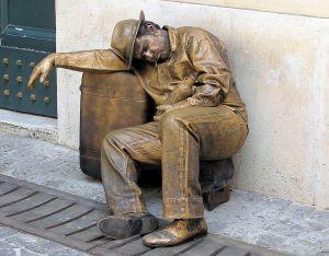 Living.statue.in.rome.arp