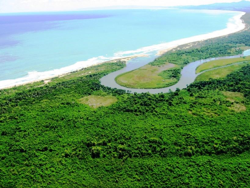 La Boca de Yasica de Cabarete donde se pretende hacer un proyecto a dentro de manglares y dunas