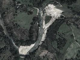 Mina en el rio Guao