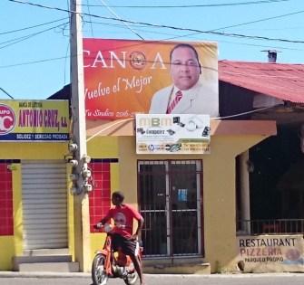 Letrero de Canoa para postularse como sindico